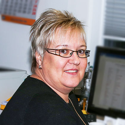 Anja Leutner: Büro, Verwaltung
